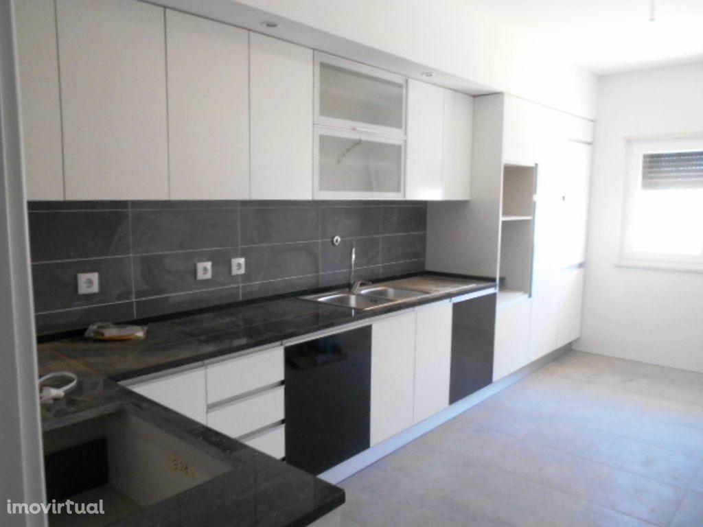 Apartamento T2, R/C, Novo (à Estrear) c/ Elevador - Pinhal Novo