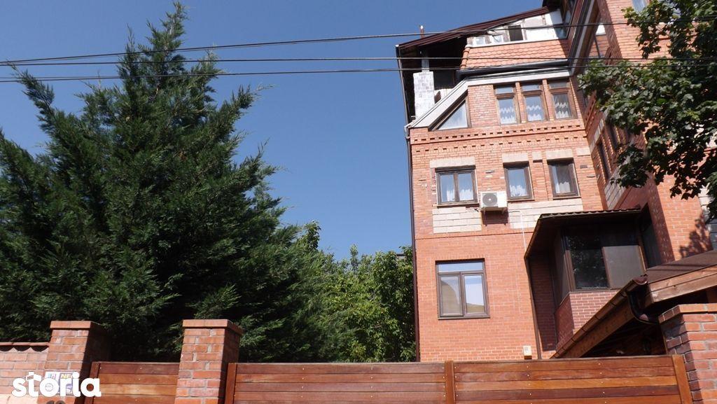 Iancu Nicolae: Apartament cu 3 camere pe o straduta linistita !