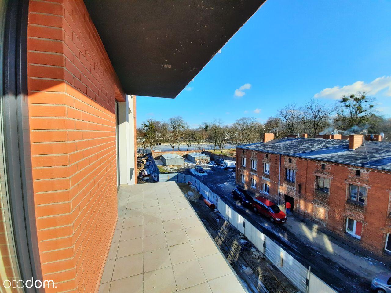 Mieszkanie 3 pok. z balkonem, dostępne od 04.21 .