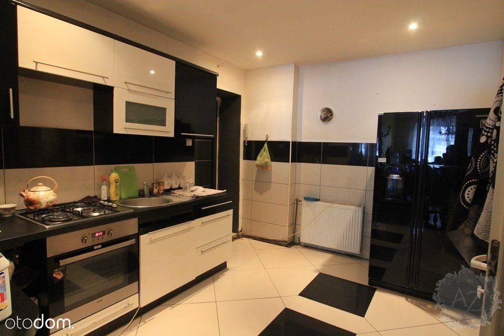 Pokój z kuchnia duży metraż piękna kamienica