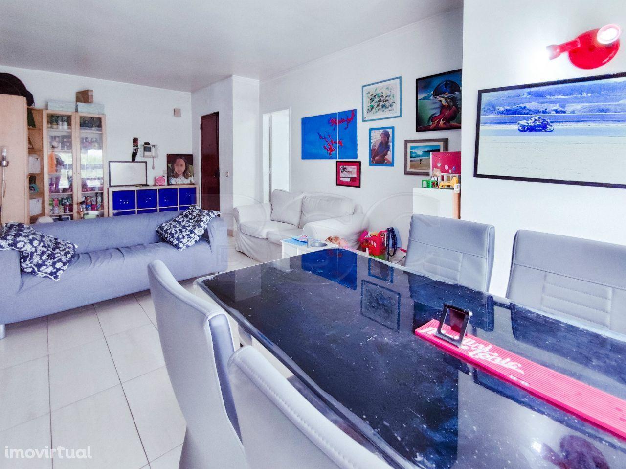 Apartamento T2 à venda em Quinta do Marquês