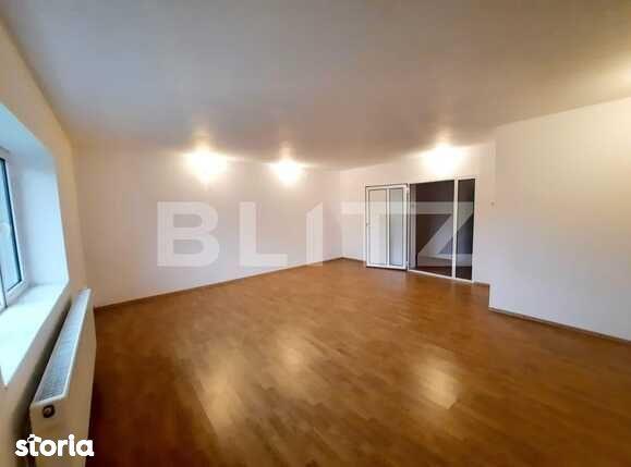 Apartament cu 4 camere, decomandat, 125 mp, zona Tatarasi Metalurgie