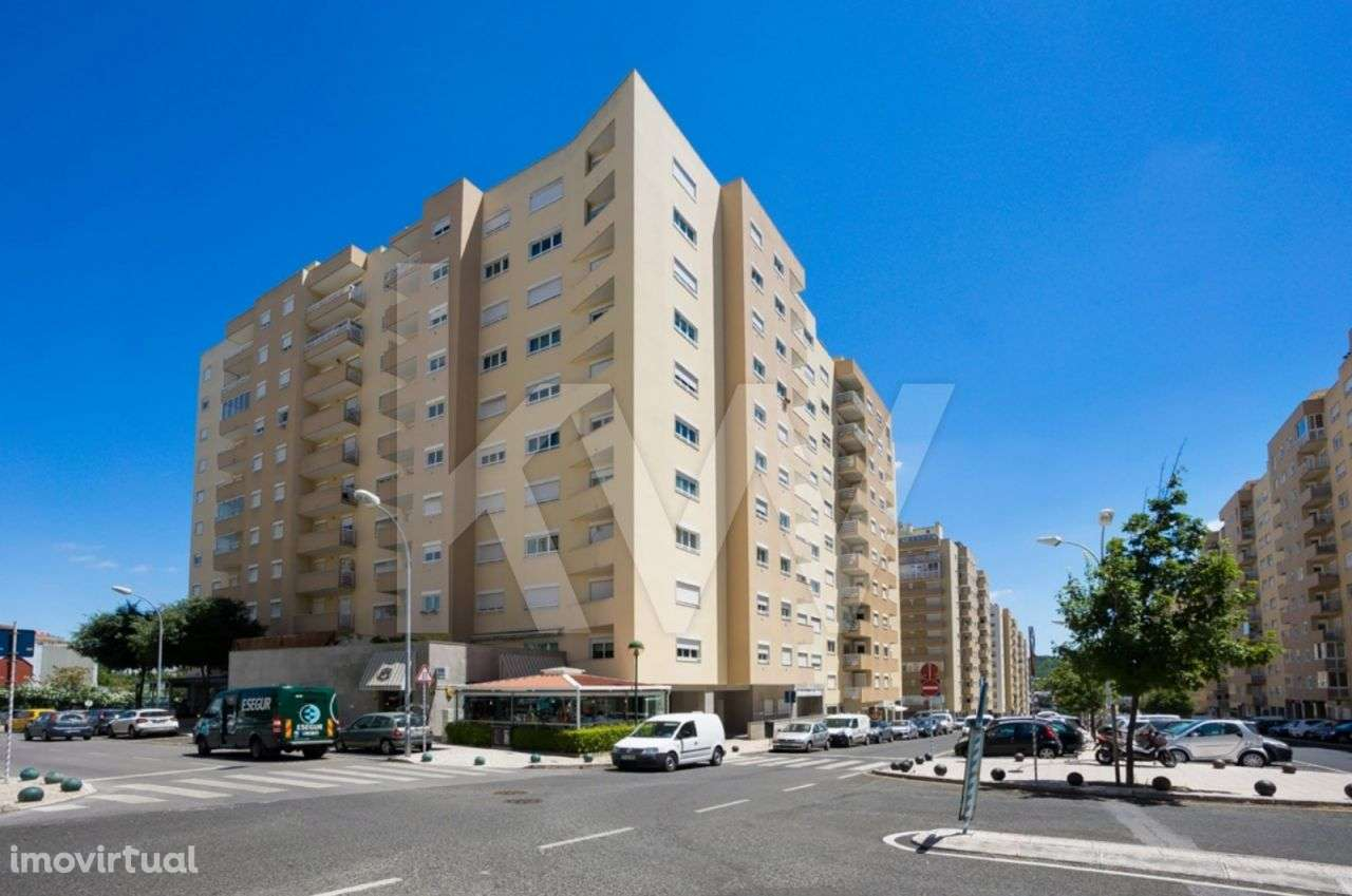 Apartamento para comprar, Carnaxide e Queijas, Lisboa - Foto 1