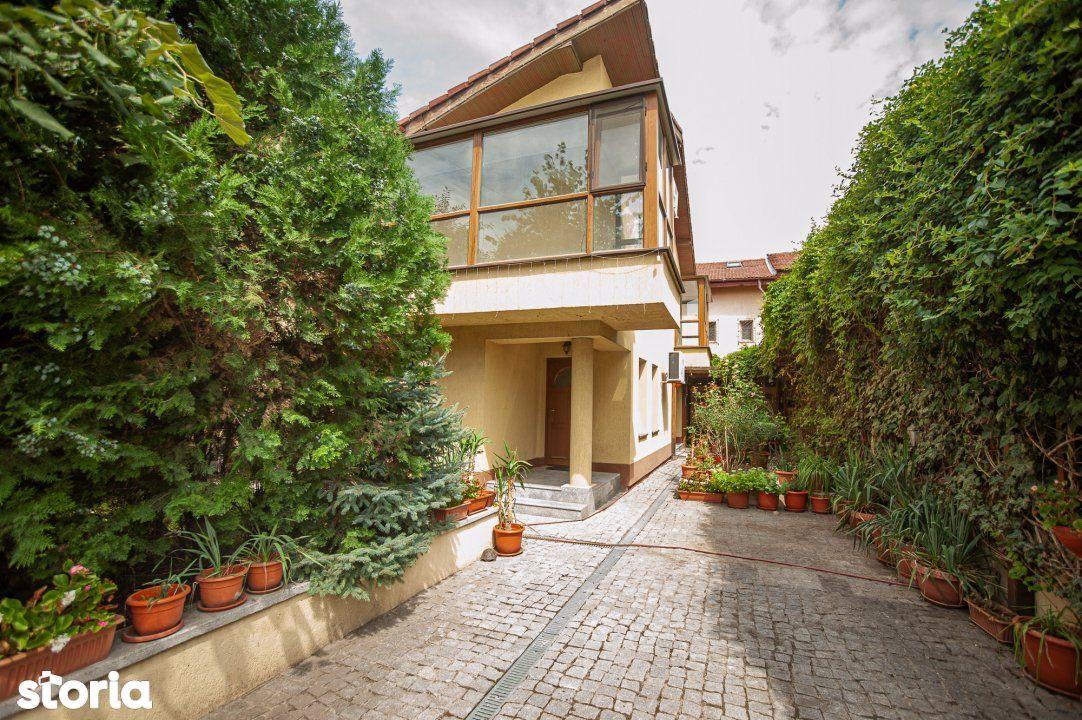 De Vanzare Casa individuala , P+1 , cu 170 mp de curte , Fundeni, Dobr