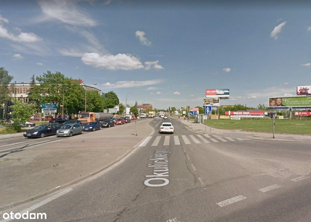 Plac utwardzony z budynkiem biurowym, Piaseczno
