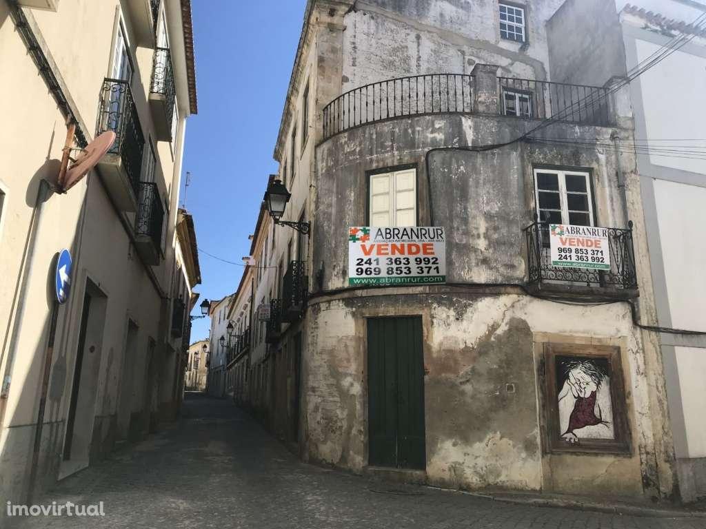 Moradia para comprar, Abrantes (São Vicente e São João) e Alferrarede, Abrantes, Santarém - Foto 2