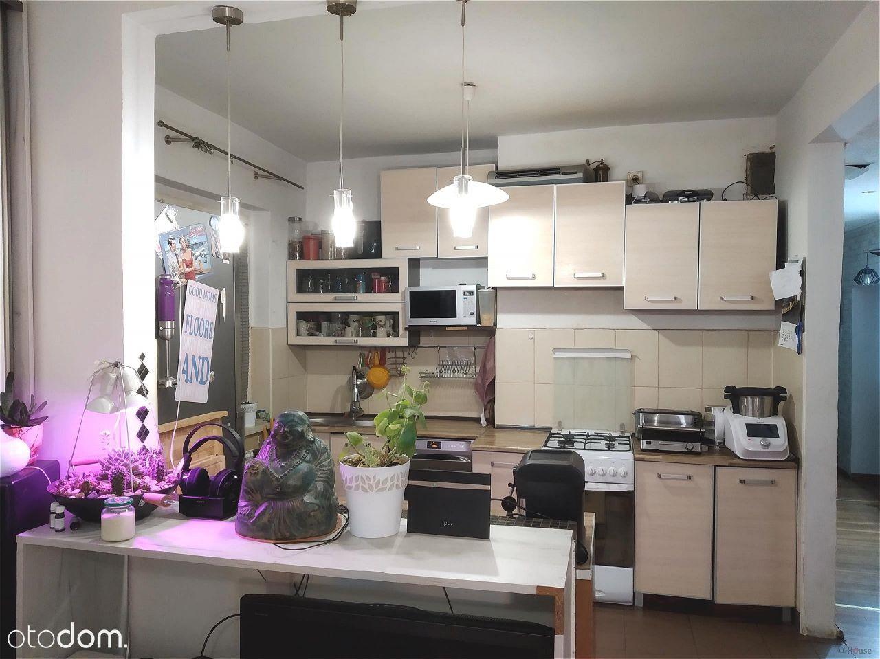 Rozkładowe Mieszkanie W Śródmieściu, 98M2