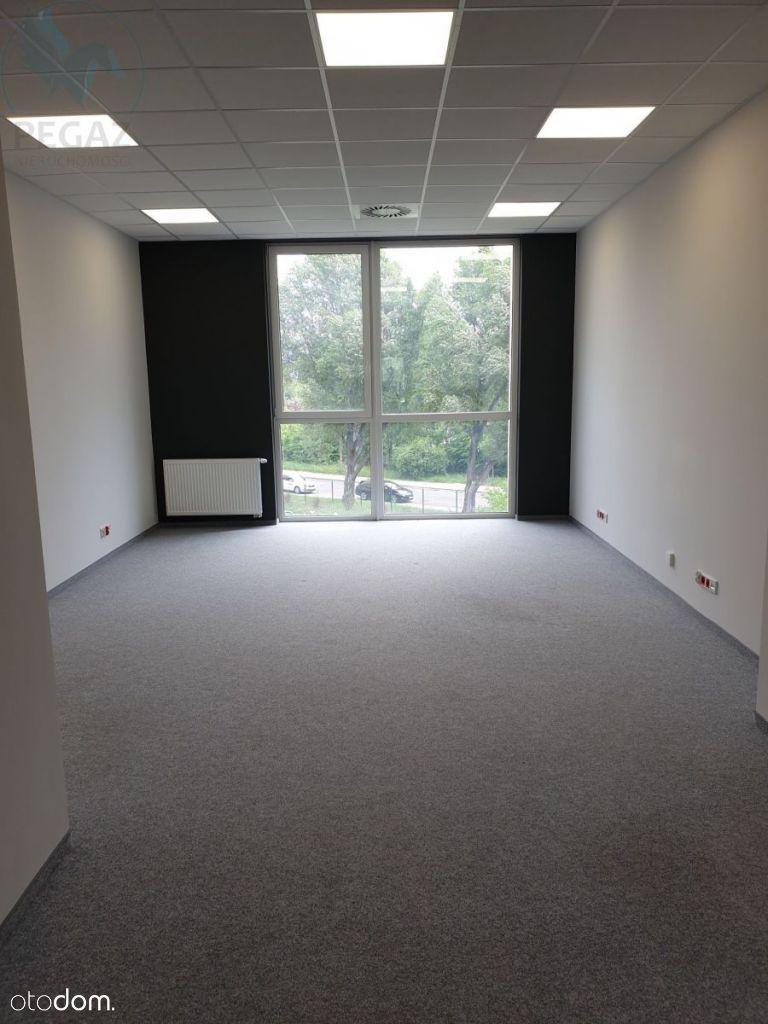 Lokal użytkowy, 72,70 m², Poznań