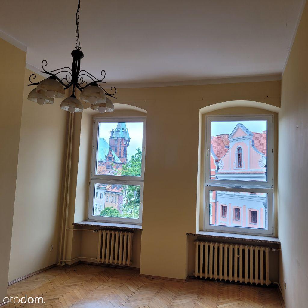 Ładne słoneczne mieszkanie 3 pokojowe w Rynku
