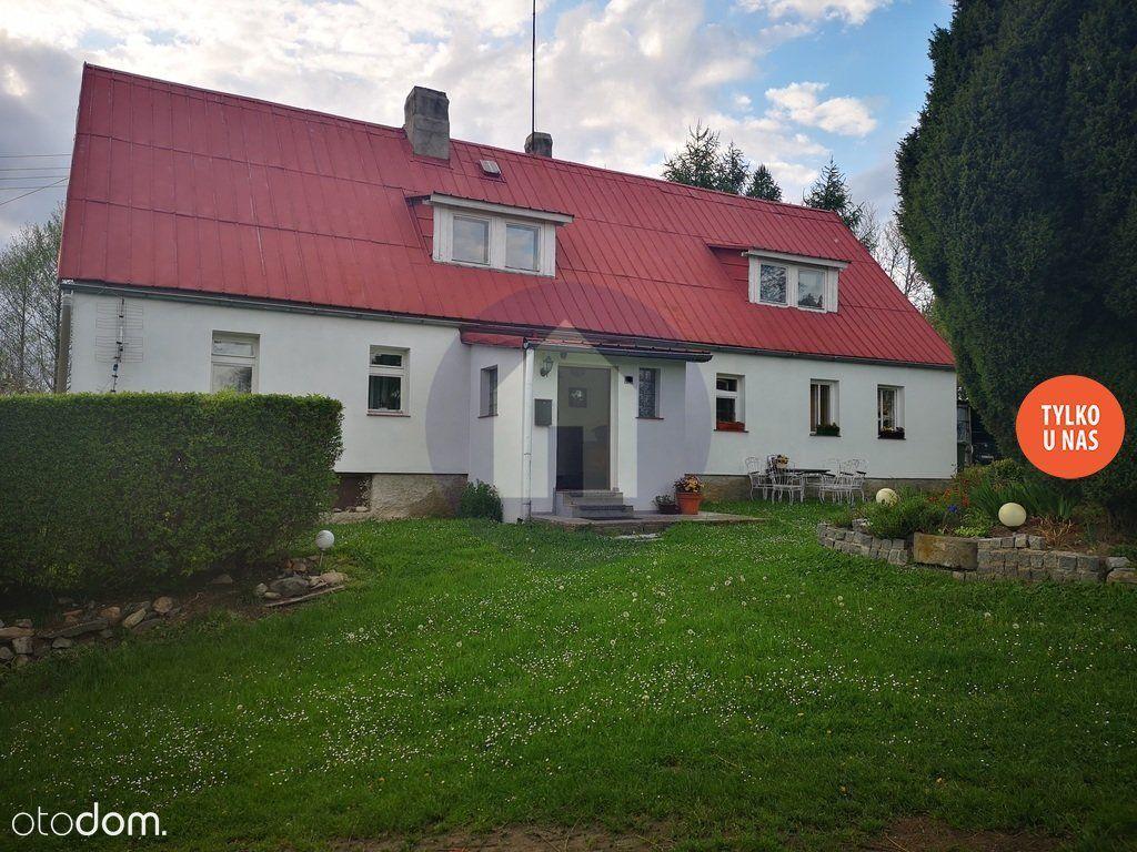 Malowniczo położony dom na wsi
