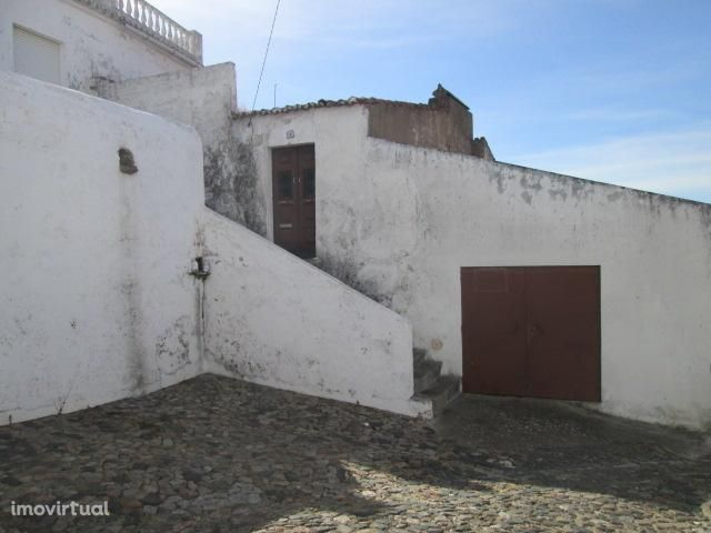 Portel, moradia T3 para reconstrução