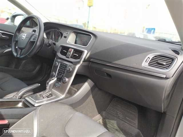 Volvo V40 2.0 D2 Kinetic Geartronic - 10