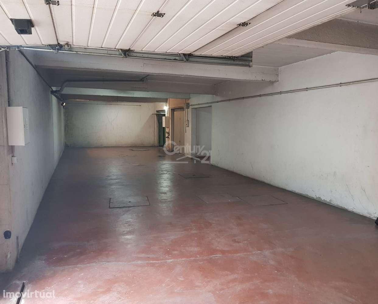 Garagem para comprar, Massamá e Monte Abraão, Lisboa - Foto 2