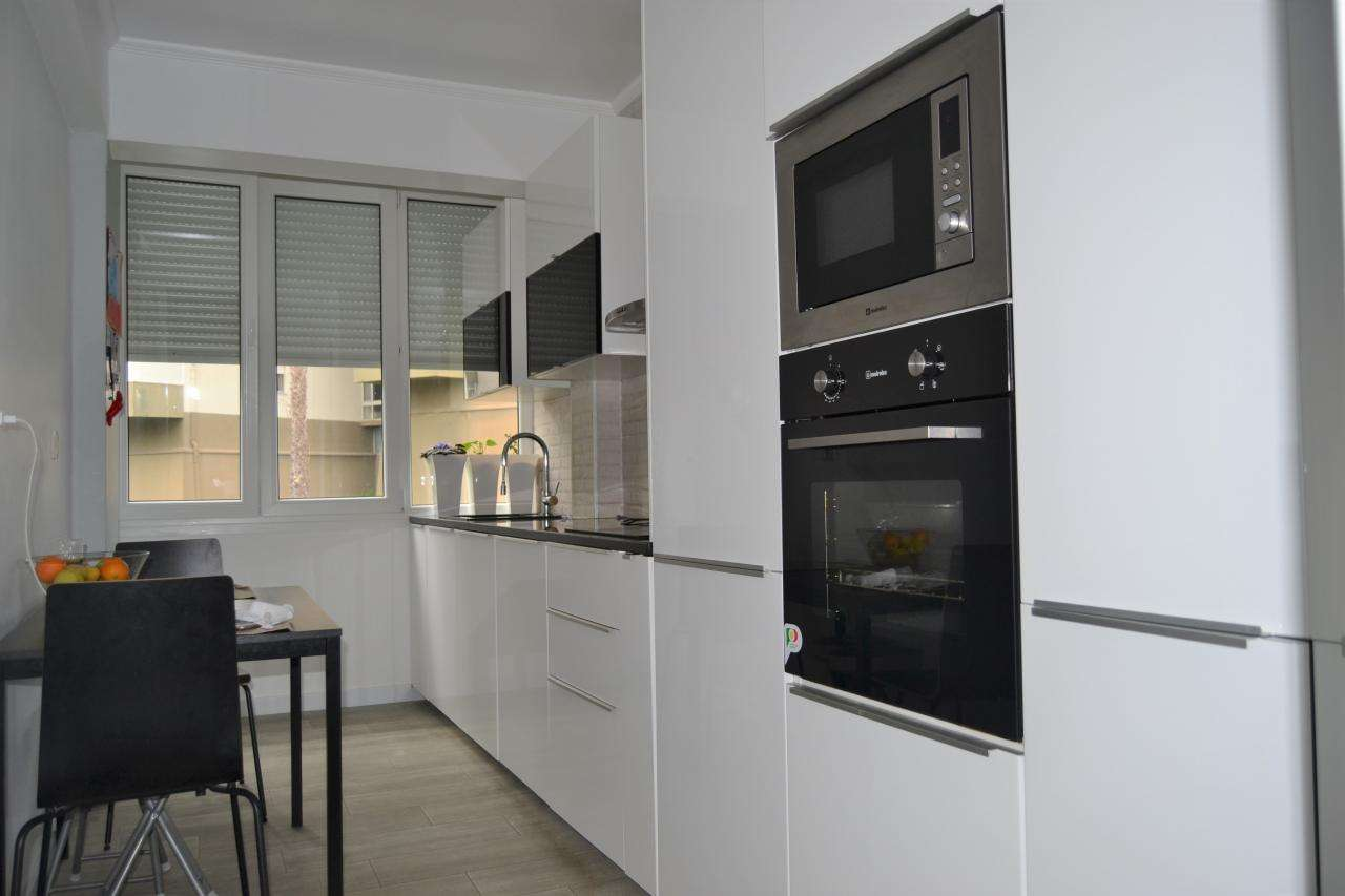 Apartamento para comprar, Santo António dos Cavaleiros e Frielas, Lisboa - Foto 1