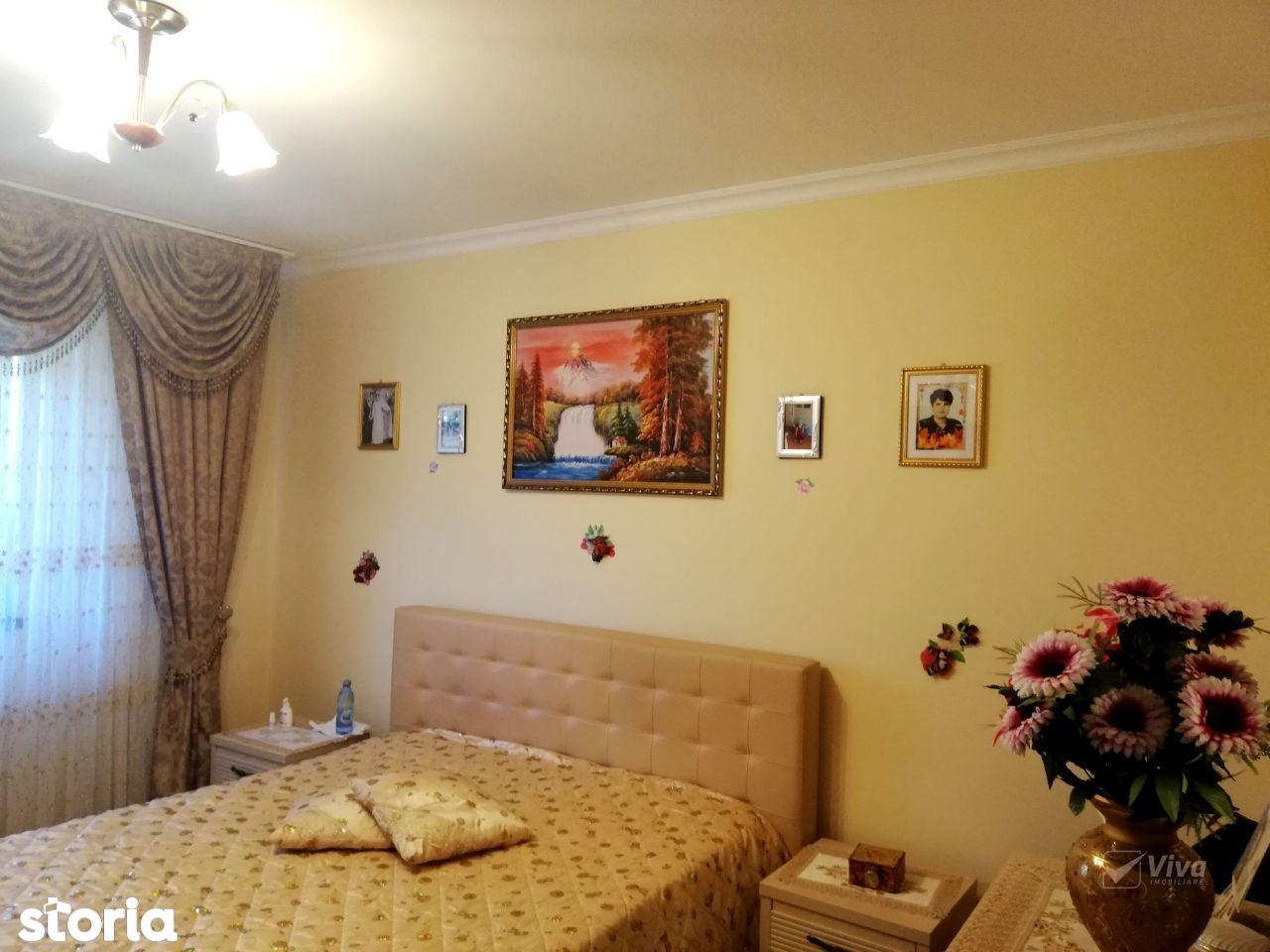 Apartament 2 camere decomandat + gradina 30mp, loc parcare