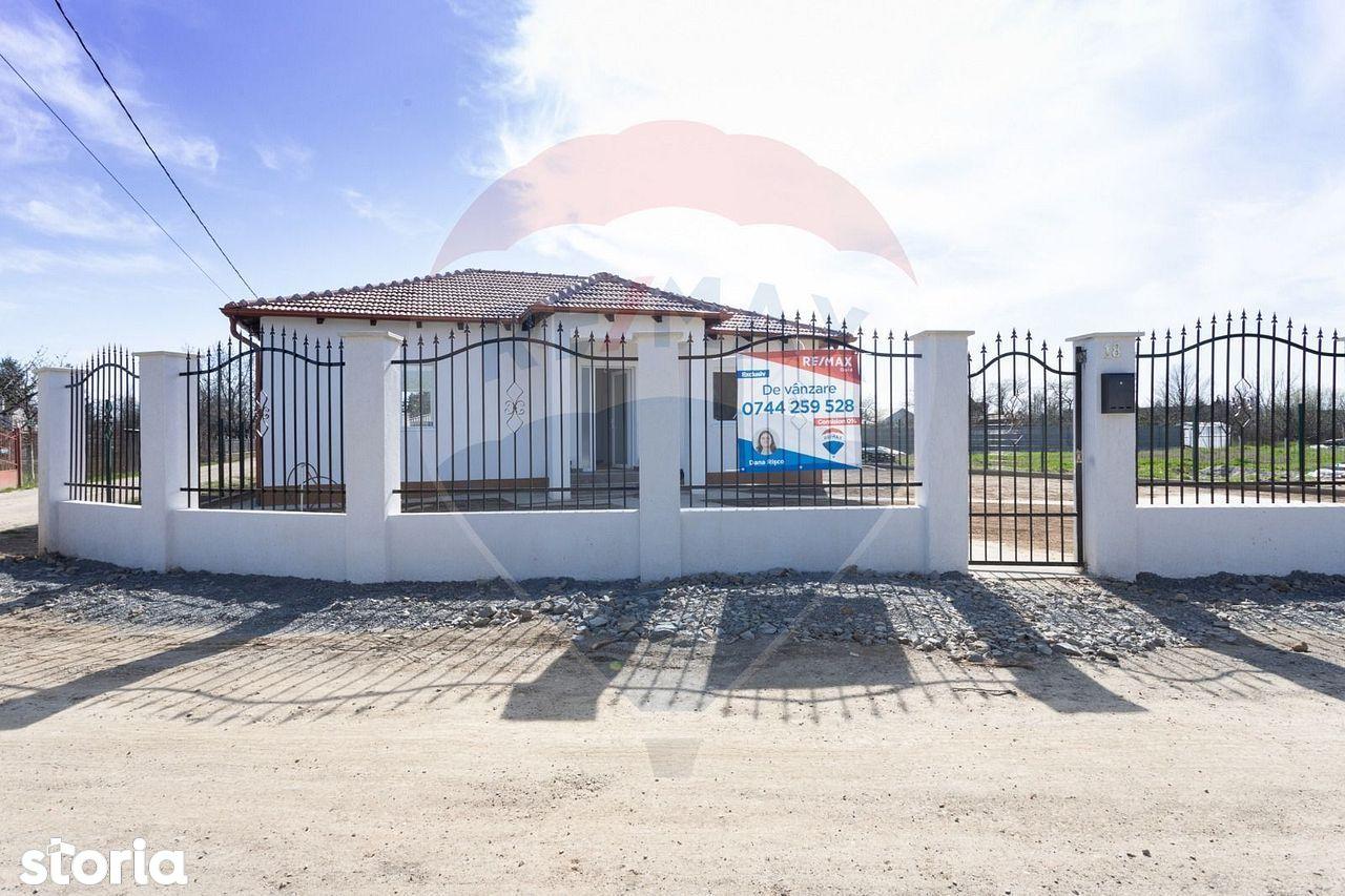 Casă / Vilă cu 3 camere de vânzare în zona Bercu Rosu