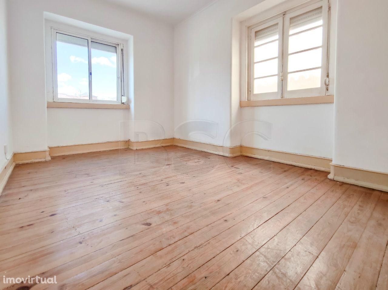 Apartamento T2 à venda em Venteira