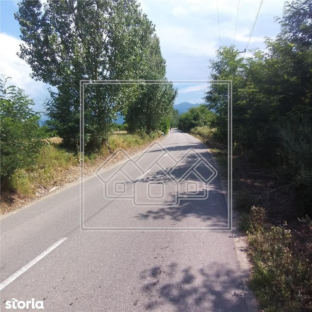 Teren 1000 mp - intravilan, regim turistic - Valea Avrigului