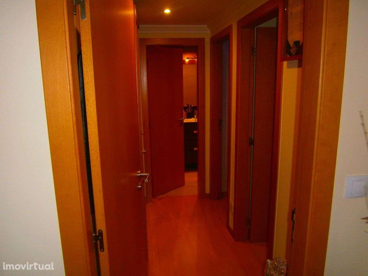 Apartamento para arrendar, Rua Sebastião e Silva, Santo António dos Cavaleiros e Frielas - Foto 4