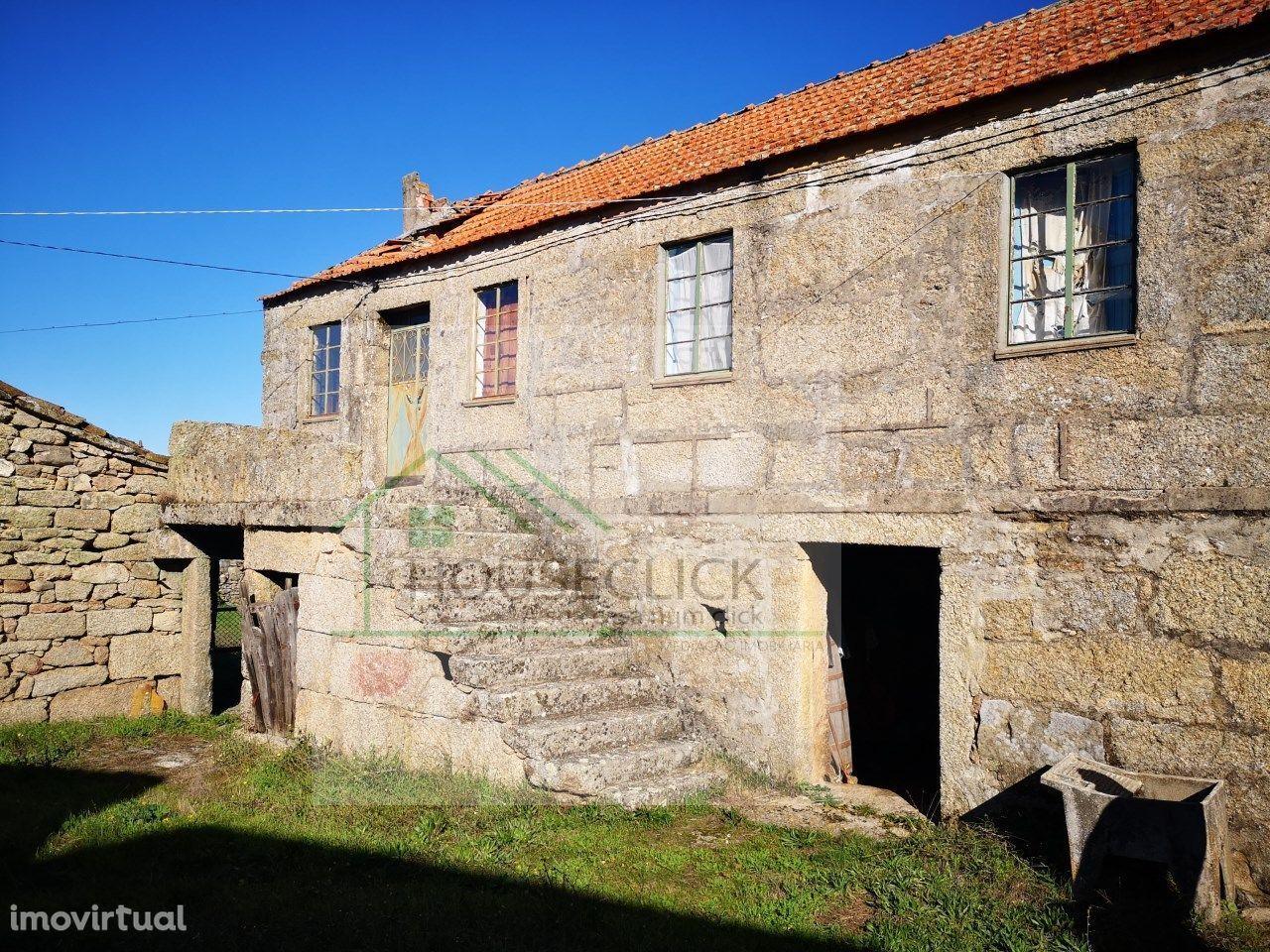 Conjunto de Casas em Granito para remodelar, CASTANHEIRA, GUARDA