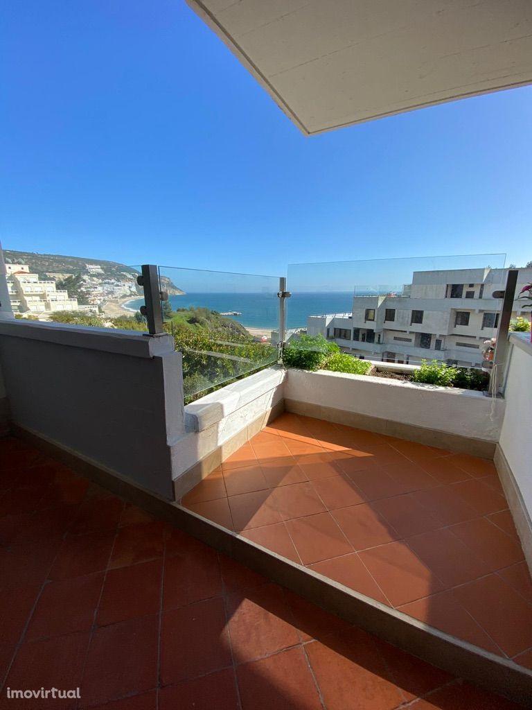 Apartamento T2 + 1 - Vista Mar e Terraço