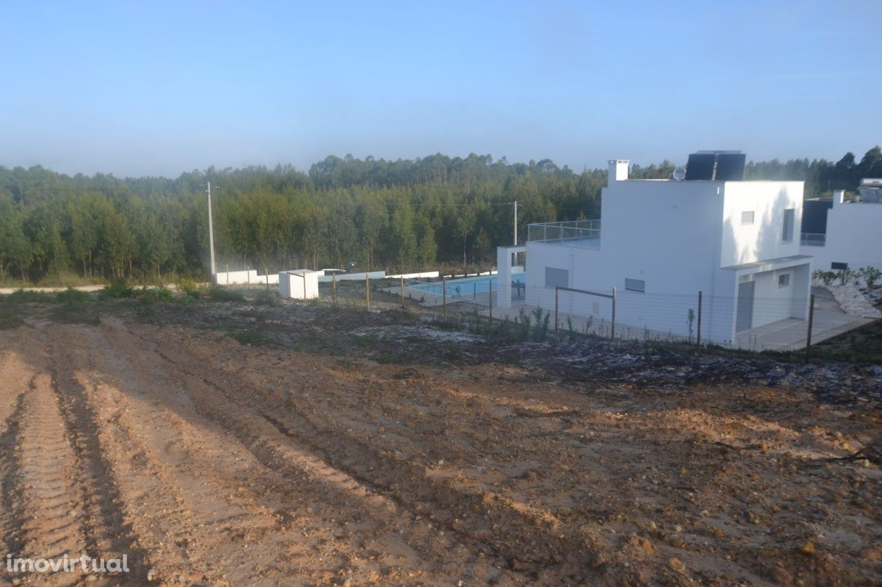 Terreno para construção com 1.605 m2 - Nadadouro