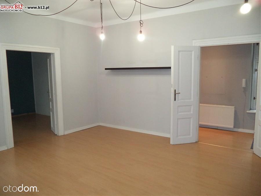 3 pokoje, Centrum, Rynek Główny, oficyna, 100 m2