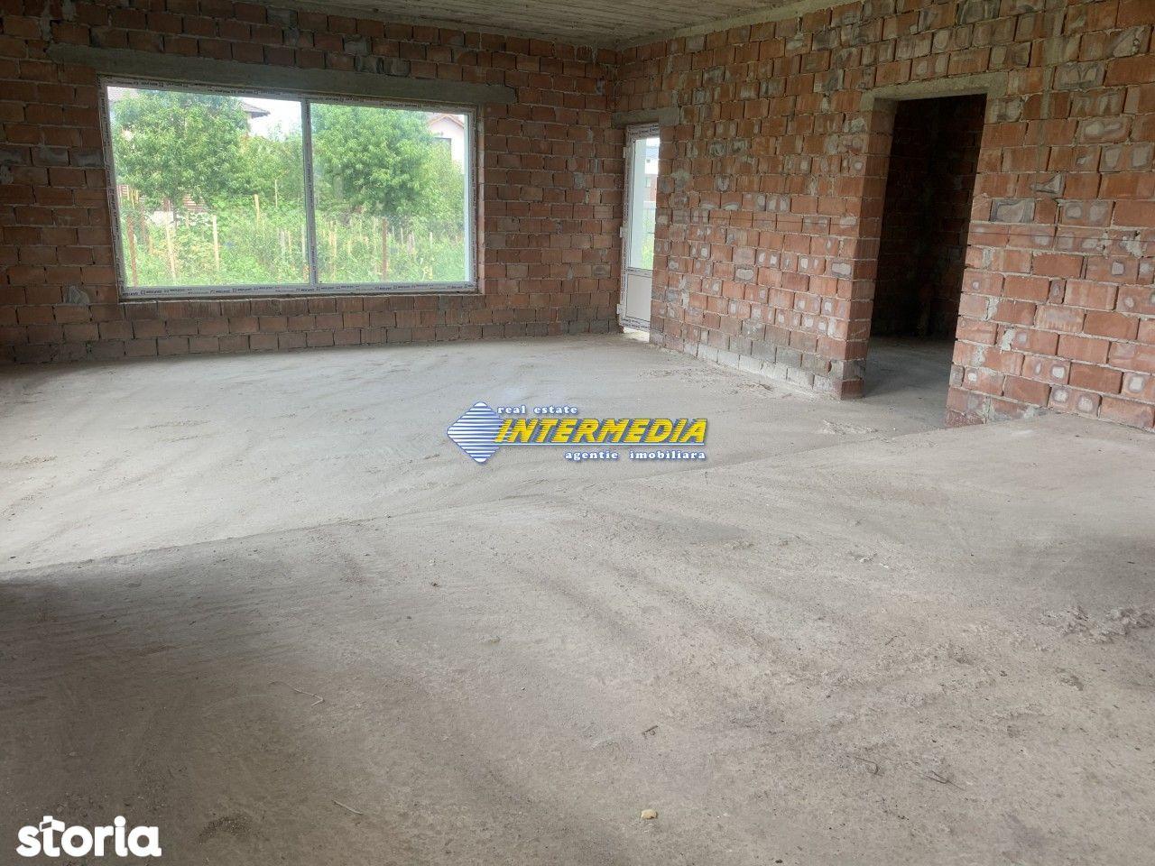 Vila Noua D-P-1 Garaj Teren 300 mp.  Zona Alba-Micesti,  Racordata la