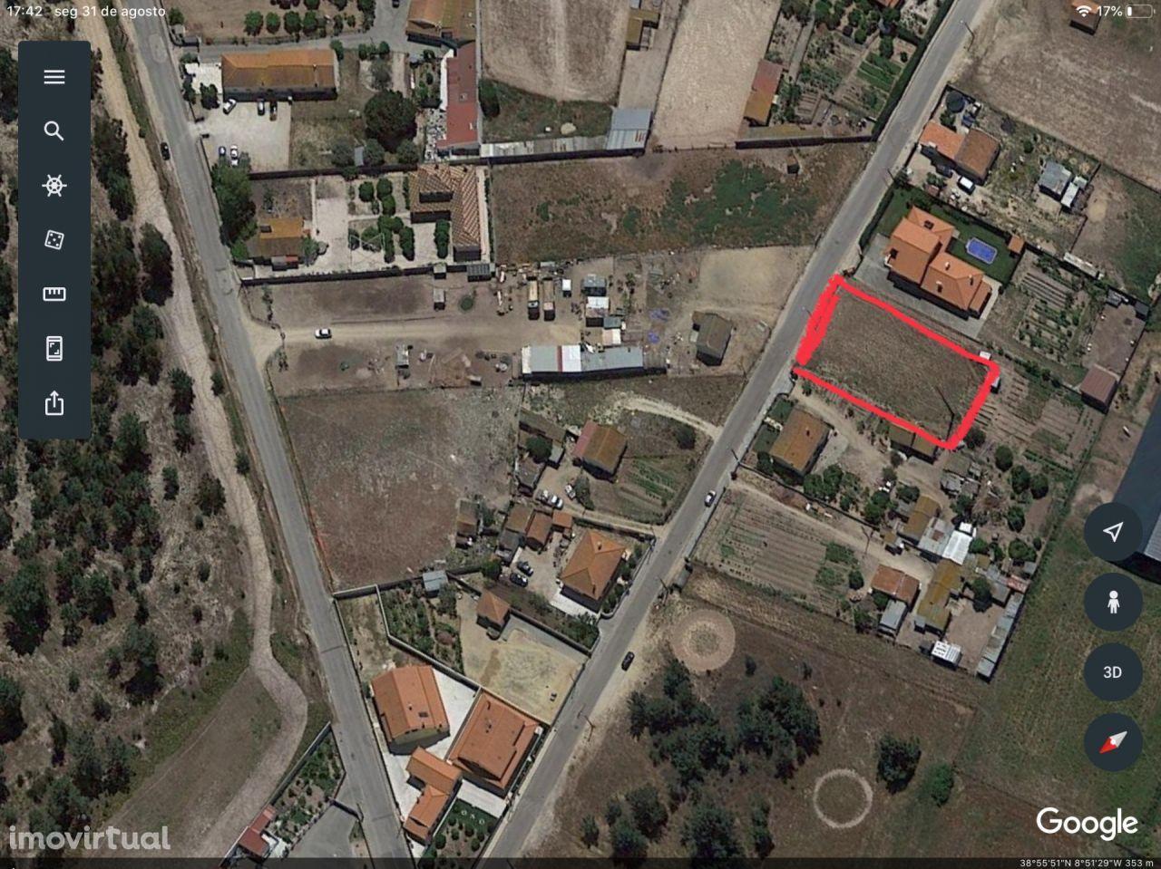 Fantástico Terreno Urbano em Samora correia com uma área Total de 1751 m2