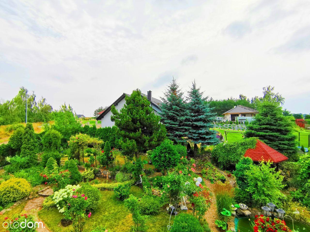 Dom z pięknym ogrodem REZERWACJA