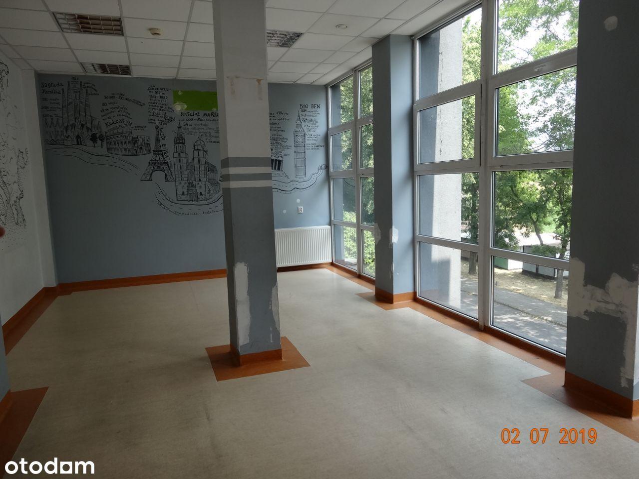 Budynek biurowo-usługowy o pow. 809,5 m2 Chrzanów