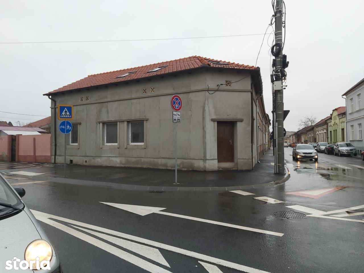 Casa la curte comuna dar cu acces separat, zona centrala, Oradea