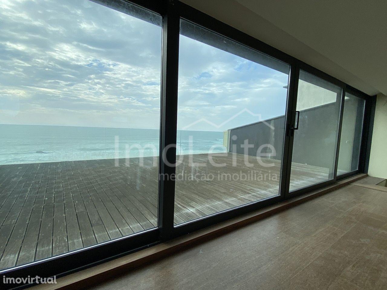 Apartamento T3 Duplex Póvoa de Varzim frente Praia