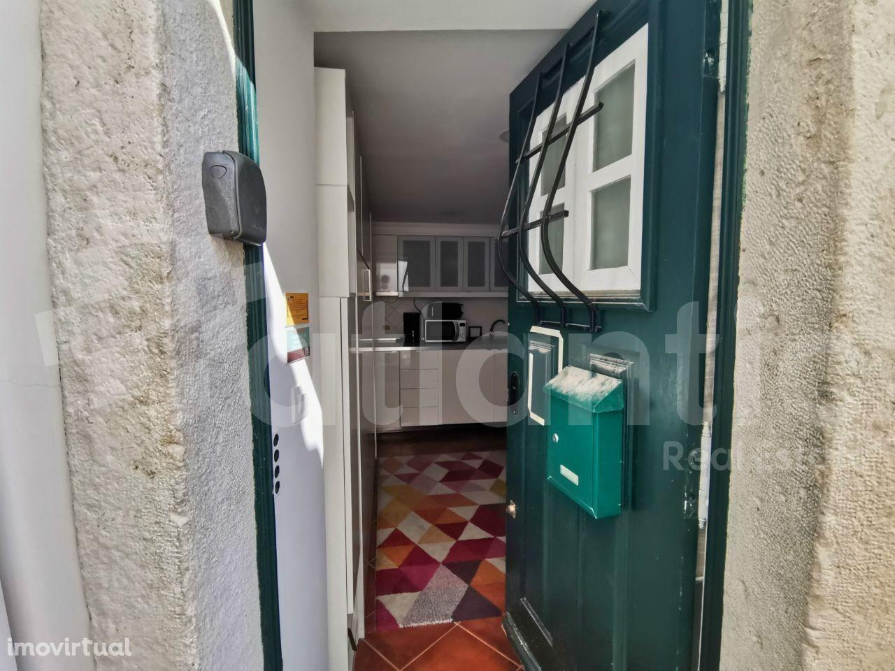 Apartamento T0 mobilado e equipado em Alfama