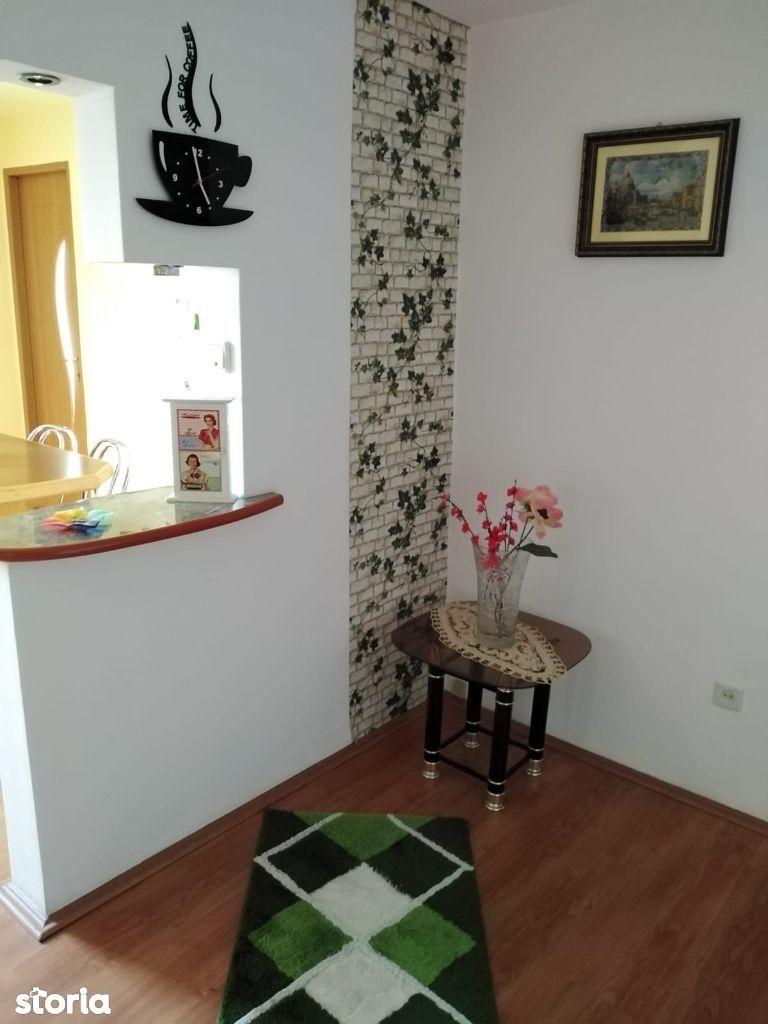 Apartament 3 camere suprafata de 70 mp la strada Tudor vladimirescu