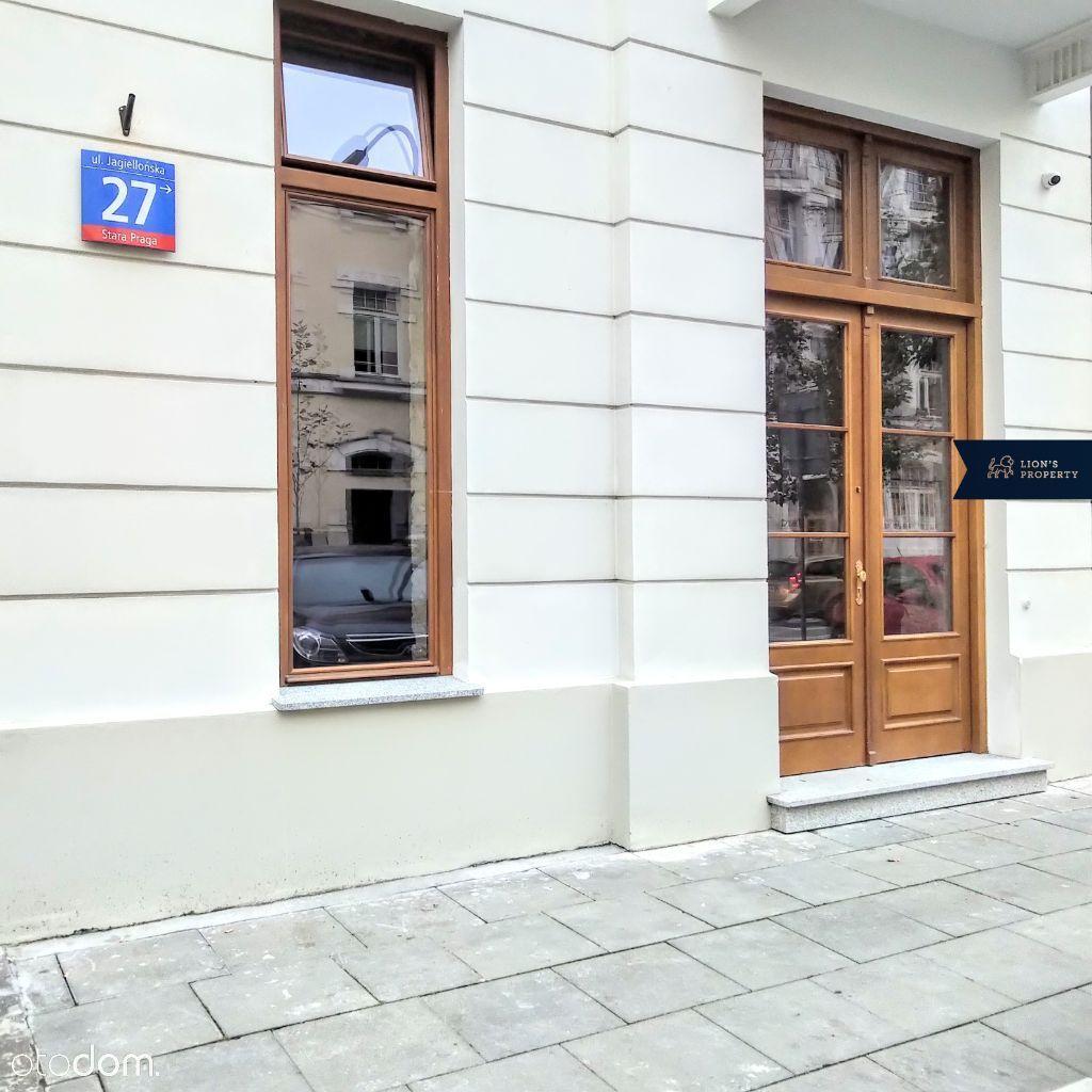 Lokal Usługowy w Odrestaurowanej Kamienicy - Praga