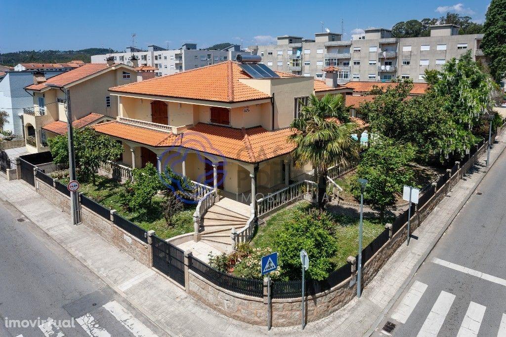 Moradia T4 - Piscina - Jardins - 4 Frts - Valongo