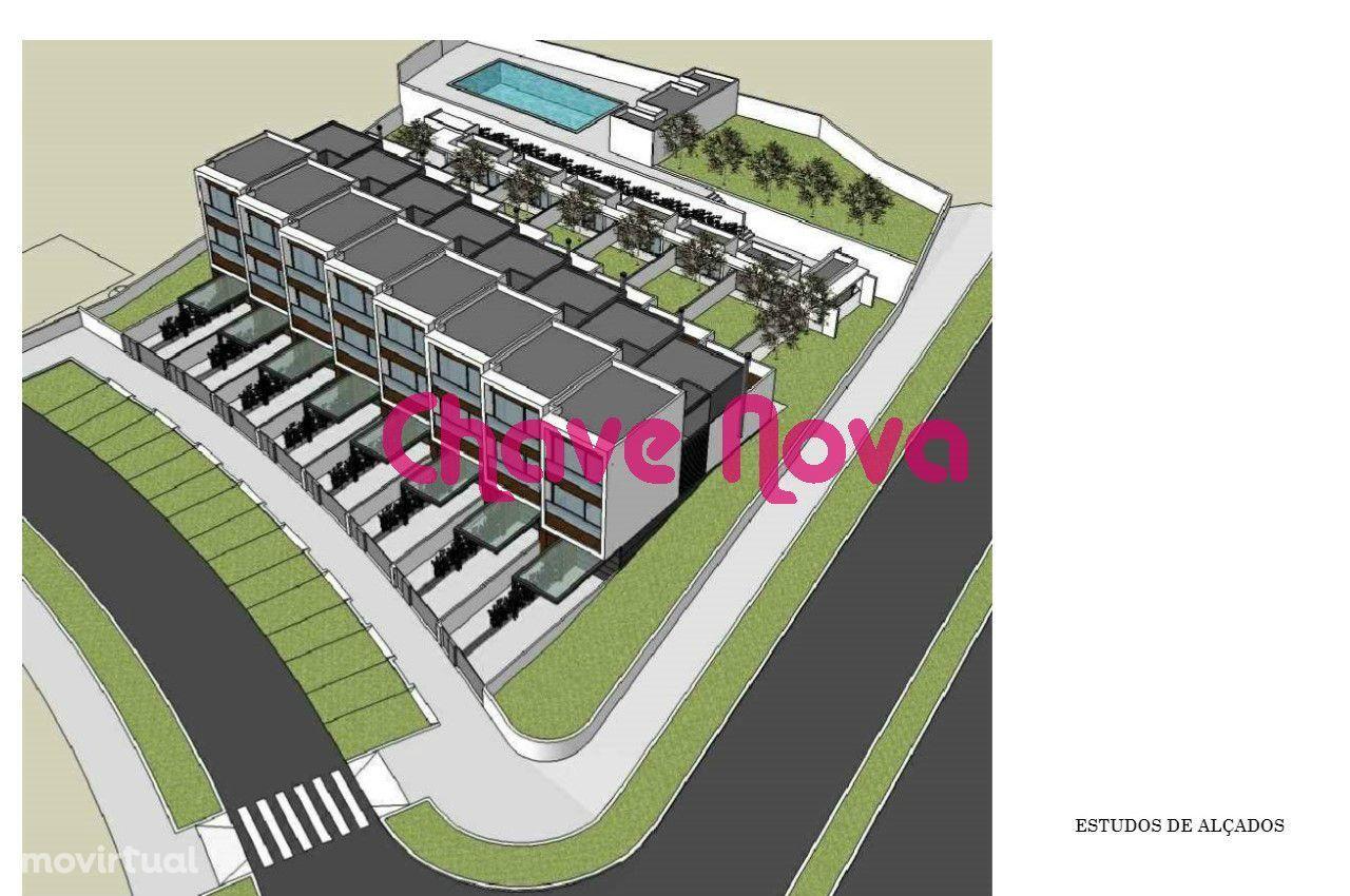 Lote com projecto para construção de 8 moradias na Maia