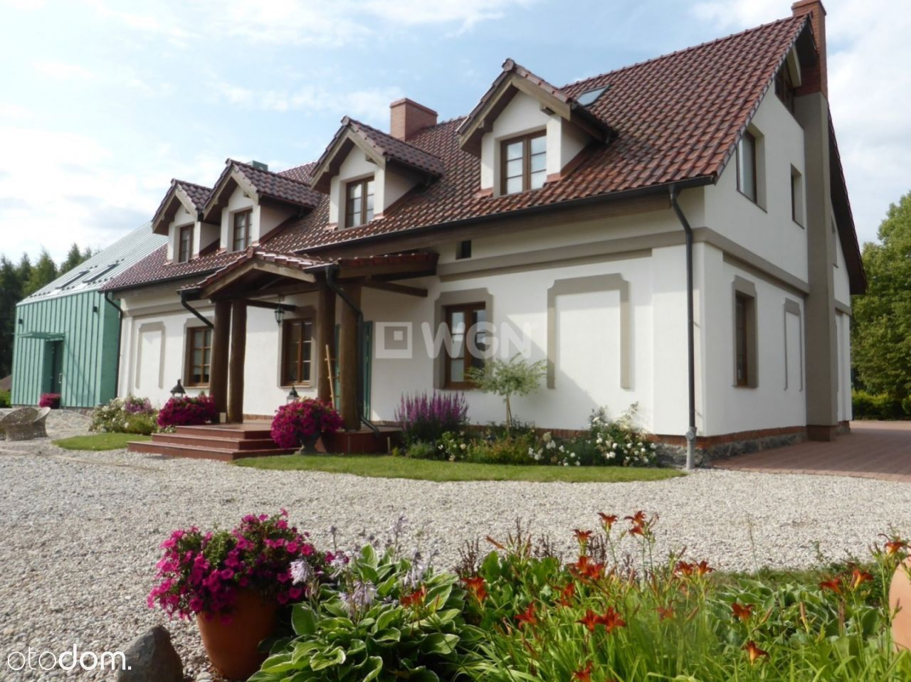Dom, 500 m², Sztum