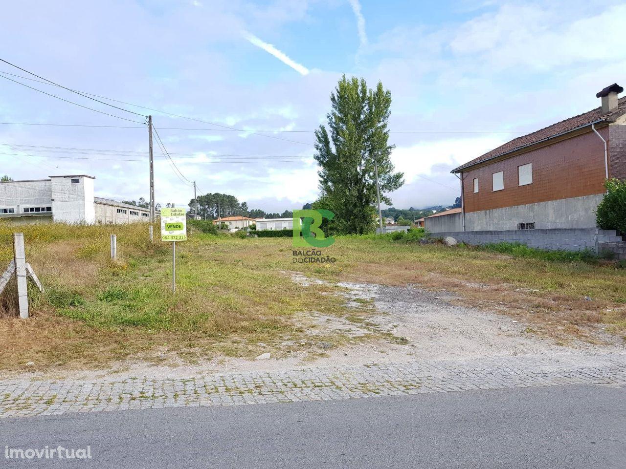 Terreno | Área: 2 200 m2