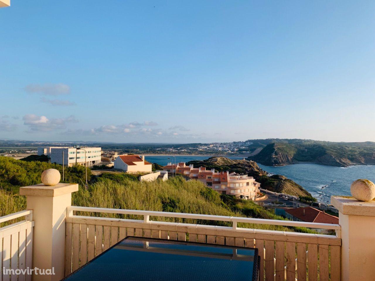 Apartamento T3 com vista mar