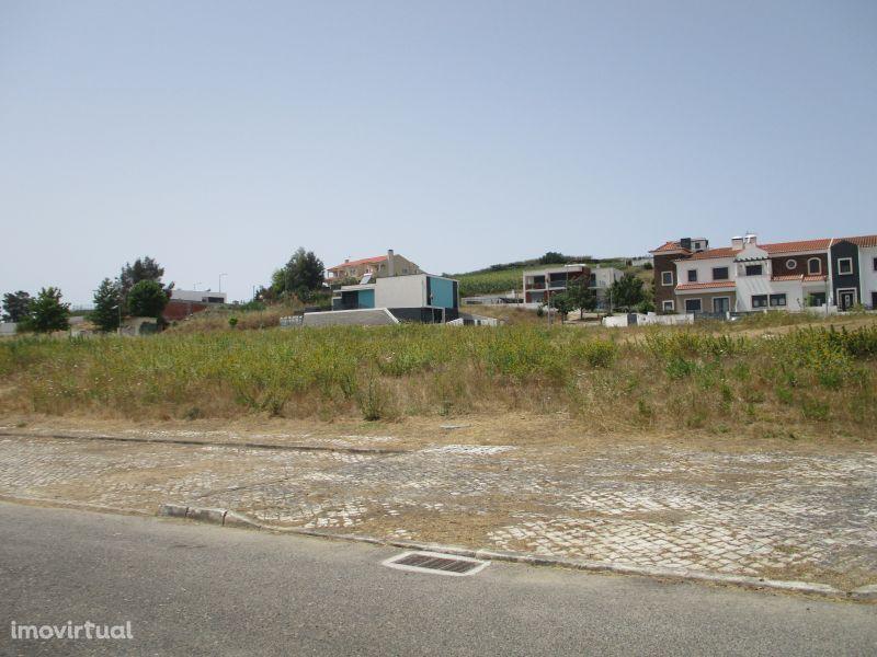 Terreno para construção de Edifício com 3 Apartamentos!
