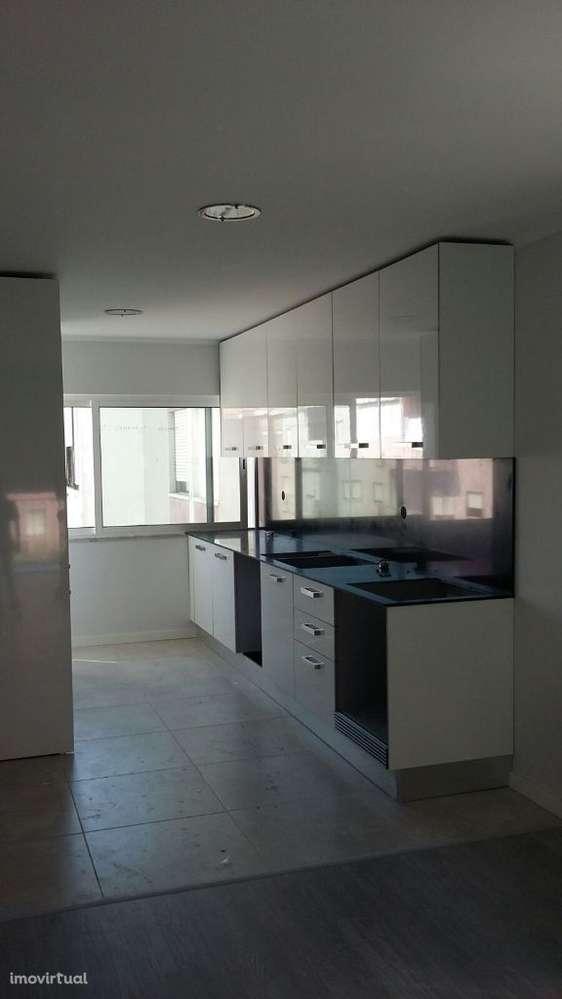 Apartamento para comprar, Rua José Elias Garcia, Barreiro e Lavradio - Foto 2