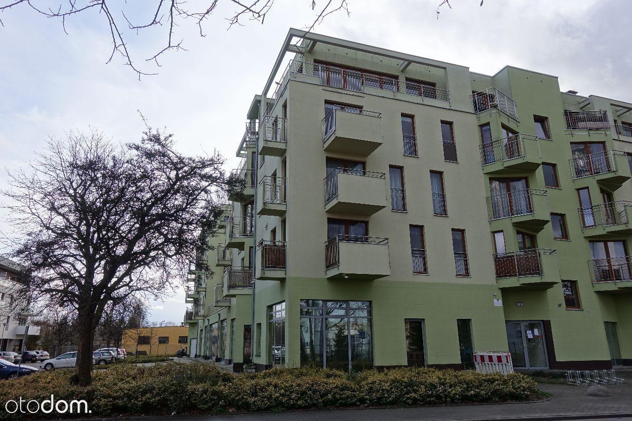 Apartament z trzema balkonami i widokiem na rzekę