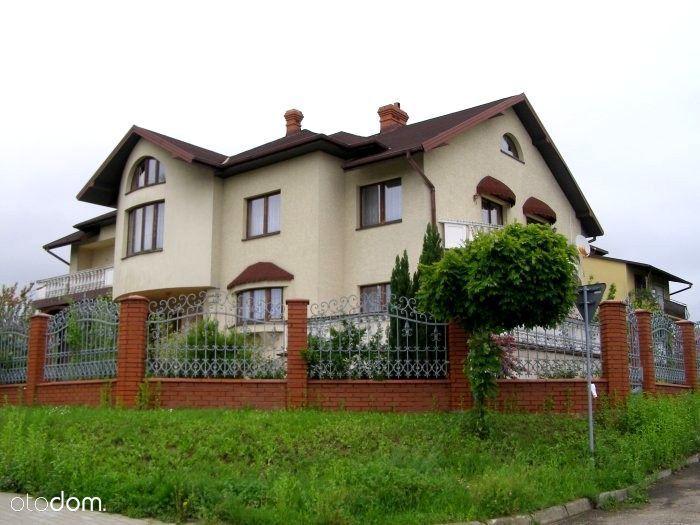 Atrakcyjny i komfortowy dom położony w Jaśle