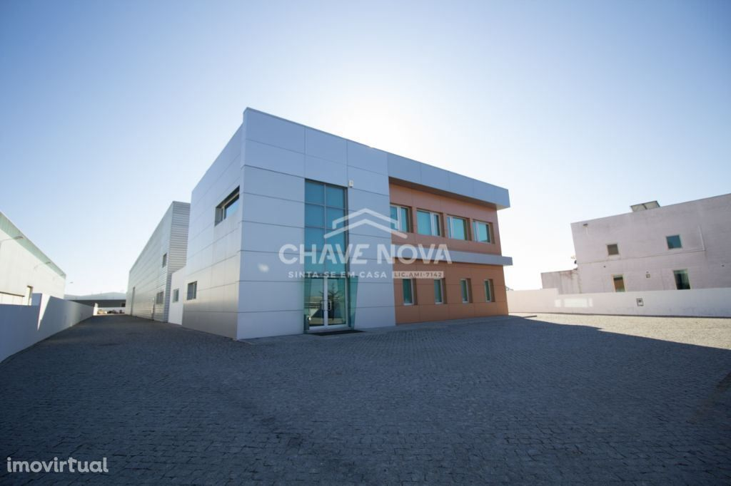 Pavilhão Industrial na Zona Industrial de Albergaria-a-Velha