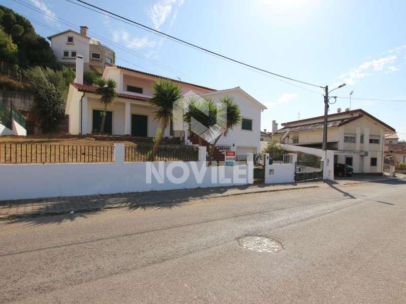 Moradia para comprar, Parceiros e Azoia, Leiria - Foto 1