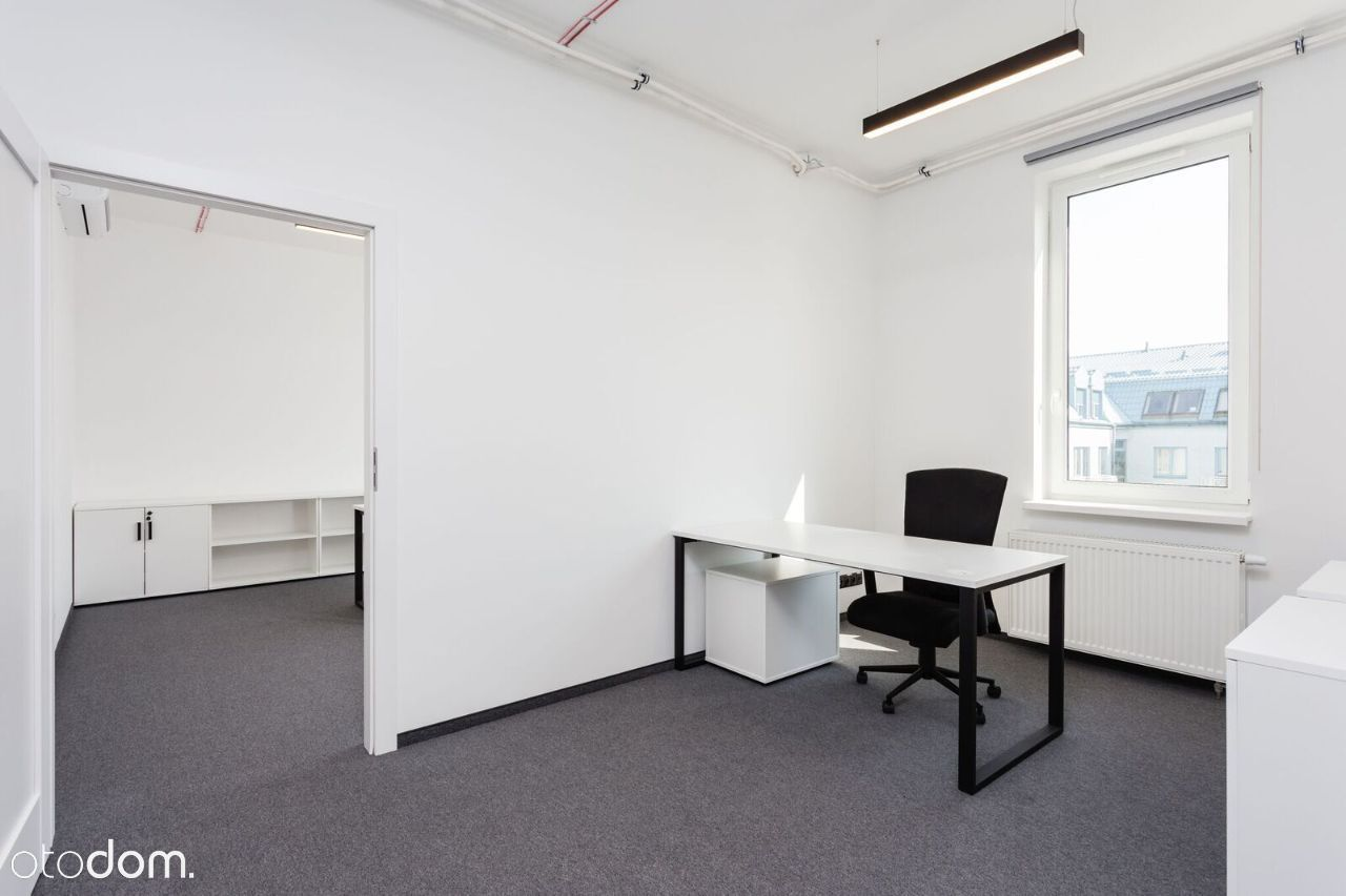 Żelazna nowe biuro po remoncie meble klima 92mkw