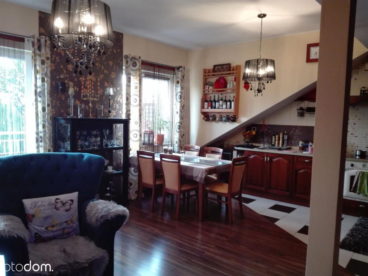 Eleganckie i zadbane 3 pokojowe mieszkanie