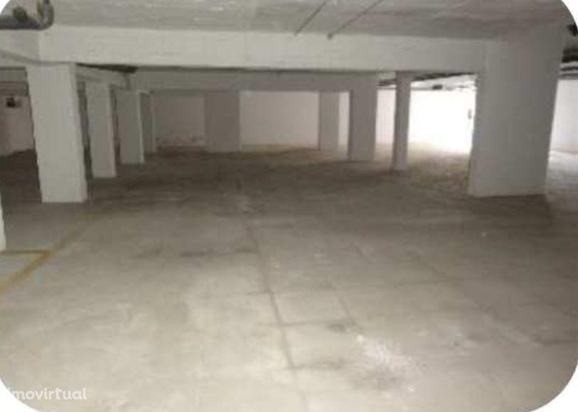 Garagem - Barreiro (Imóvel do Banco)